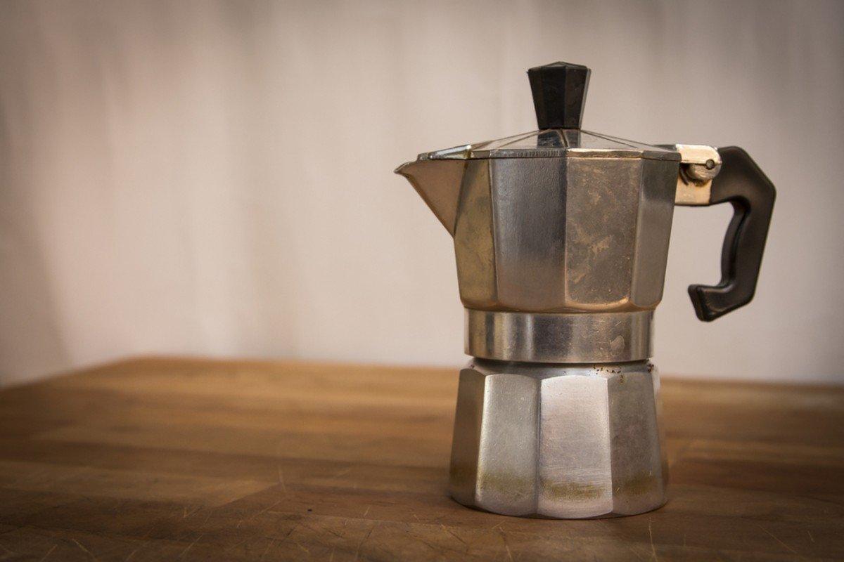 caffettiere-vintage-per-un-arredamento-sostenibile