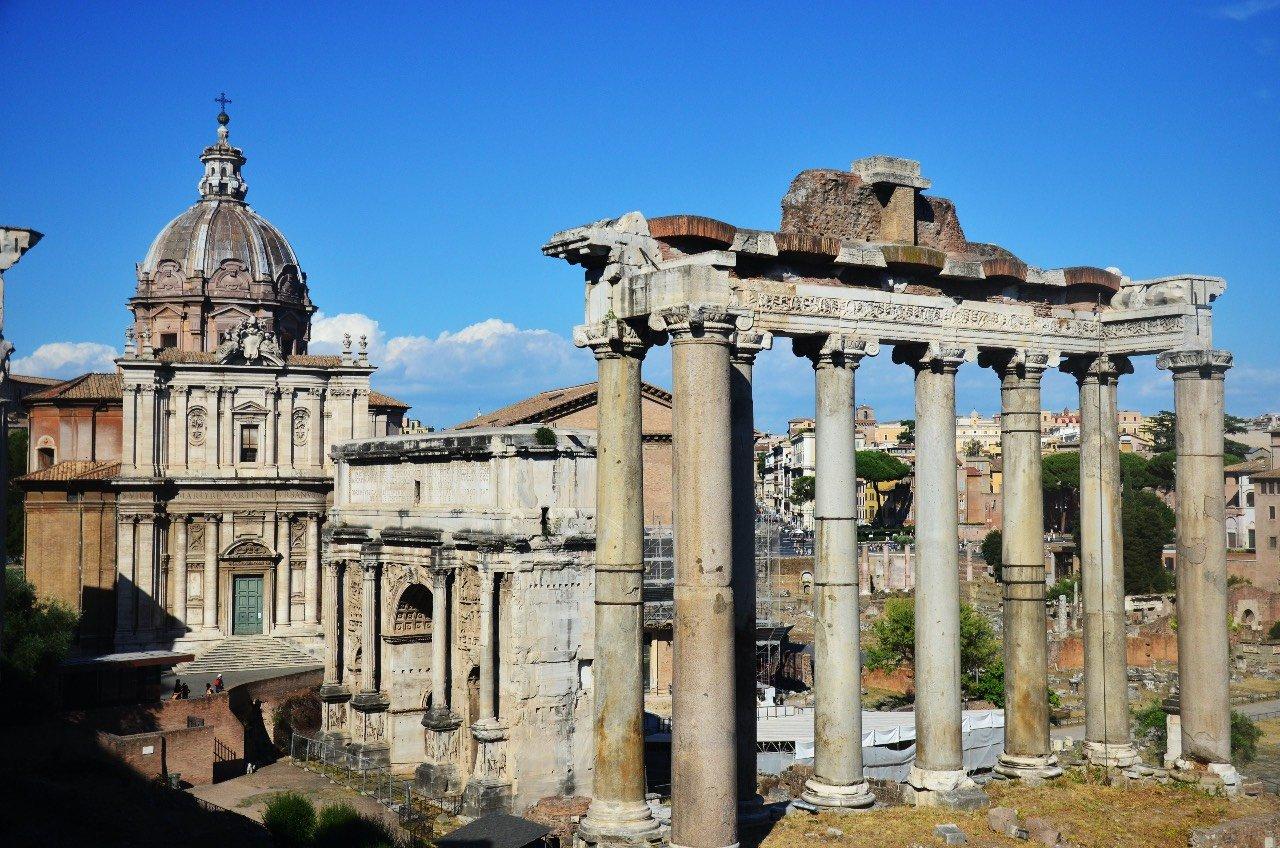 Roma, Foro Romano. Il Tempio di Saturno