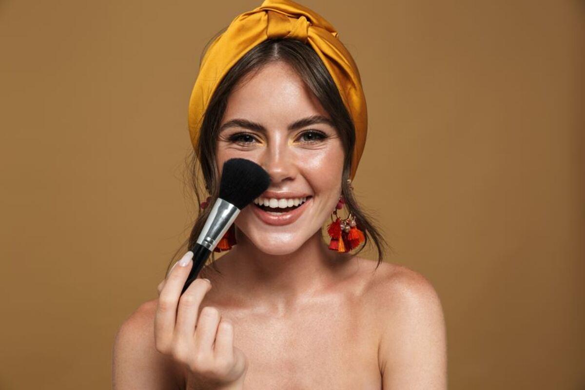 donna make up